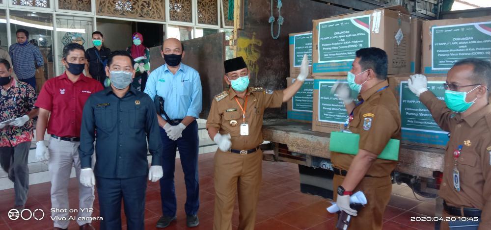 PT RAPP, APR, Asian Agri Serahkan Bantuan APD bagi Tenaga Kesehatan