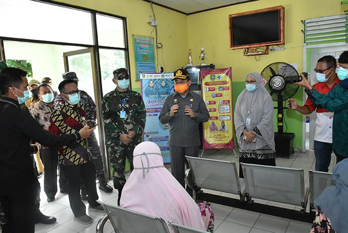 Plh Bupati Bengkalis Tinjau Posko Tim Gugus Tugas Covid-19 di Kecamatan Rupat