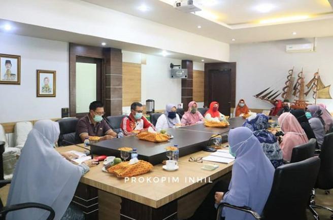 Hj Zulaikhah Wardan Penasehat DWP Inhil Pimpin Rapat Evaluasi LKSA Panti Asuhan Puri Kasih Tembilahan