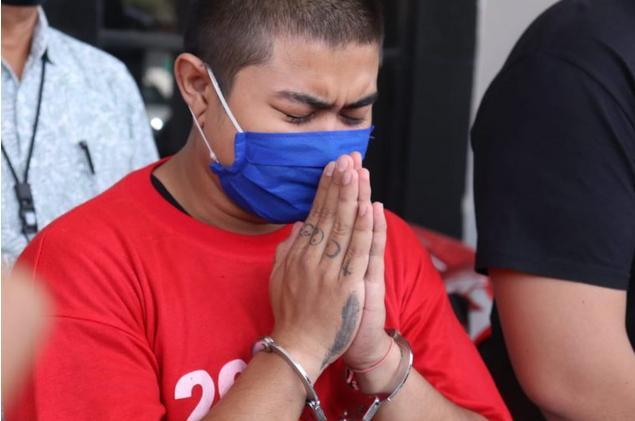 Penghina Nabi Muhammad Menangis Saat Dibekuk Polisi