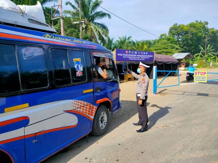 Penyekatan Pra Peniadaan Mudik, 65 Kendaraan Putar Balik di Perbatasan Riau-Sumut