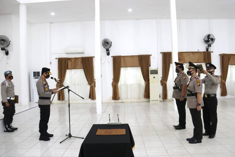 Kapolres Inhil Melaksanakan Upacara Sertijab Kasat Reskrim