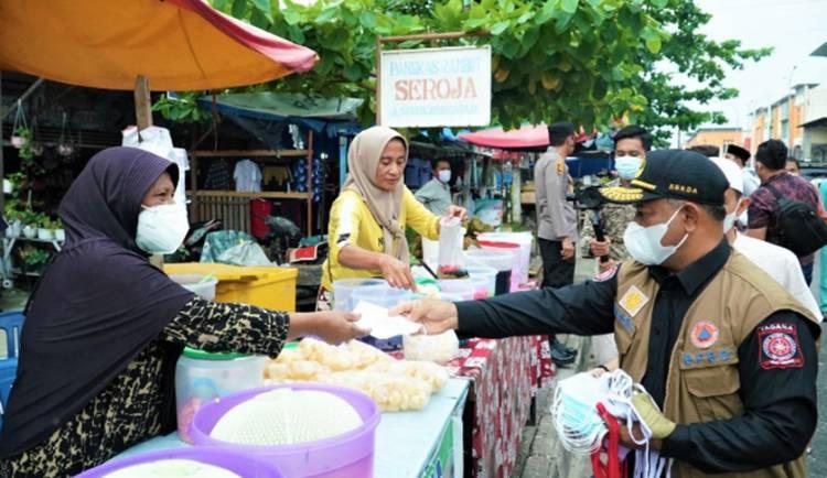 Tinjau Pasar Ramadhan, Sekda Kampar Tekankan Penerapan Protokol Kesehatan