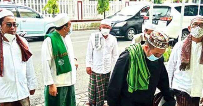 Sejumlah Ulama Geruduk Polda, Laporkan Youtuber yang Nistakan Islam dan Resahkan Warga, Ajak Pindah Agama