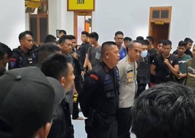 Perkelahian Oknum Anggota TNI dan Polri Berujung Baku Tembak,2 Orang Luka