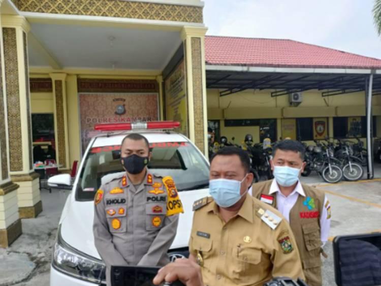 Polres Kampar Terima Bantuan Ambulan dari Pemkab Kampar, Diserahkan Langsung oleh Bupati