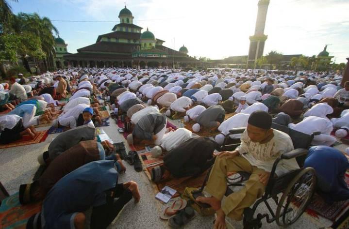 MUI: Sebaiknya Sholat Idul Fitri Dirumah Saja