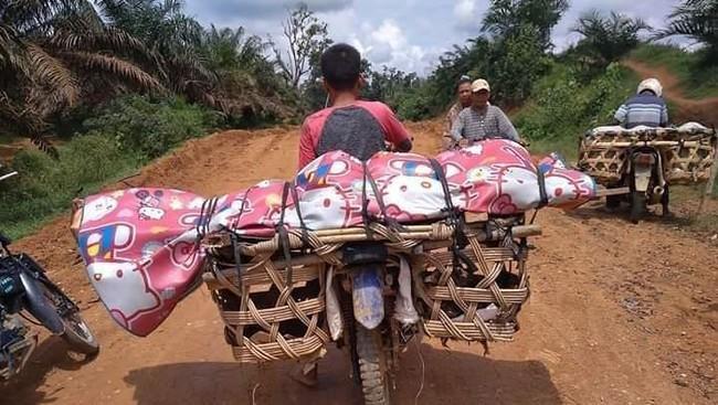 Miris! Jenazah Warga di Riau Diangkut ke Pemakaman Pakai Motor, Lantaran Hal ini...