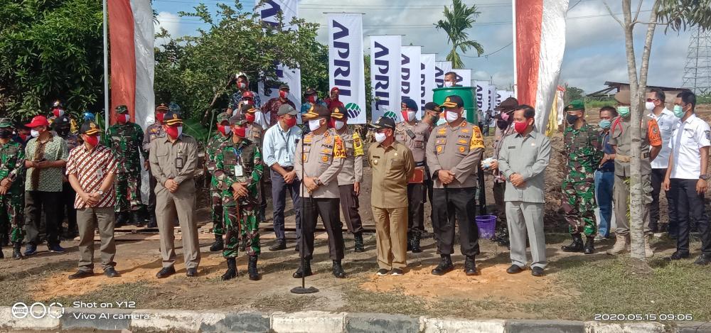 Kapolda Riau Lepas Rombongan Penyalur Bantuan Sembako kepada Masyarakat Terdampak Covid-19 Kabupaten Pelalawan