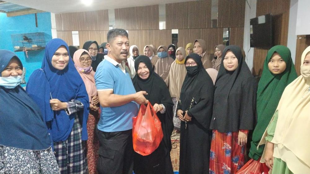 Kepala Bapenda Kampar  Kembali Santuni Anak Yatim dan Bantu Guru TPA
