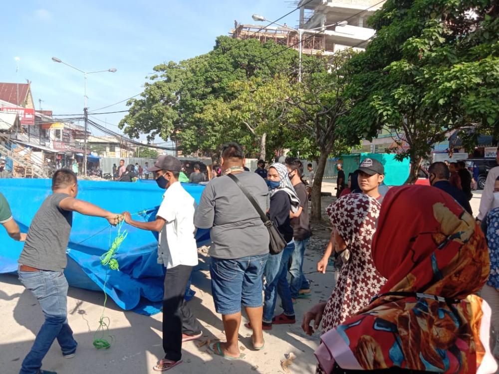 Lapak Dibongkar, Security PT MPP dan Pedagang Sukaramai Pekanbaru Bentrok