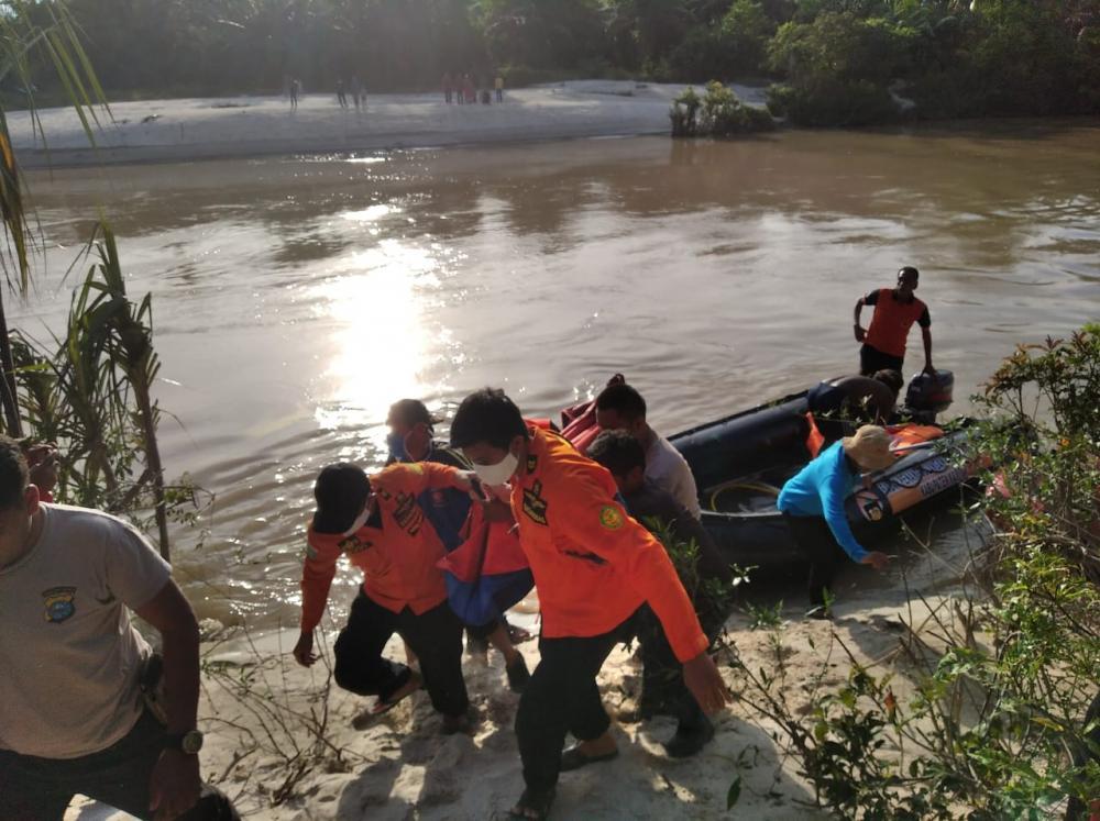 Korban Hanyut di Sungai Teso Kec. Gunung Sahilan Akhirnya Ditemukan Sudah Tak Bernyawa