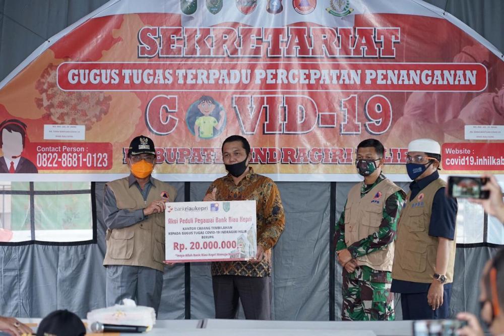 Aksi Peduli Pegawai Bank Riau Kepri