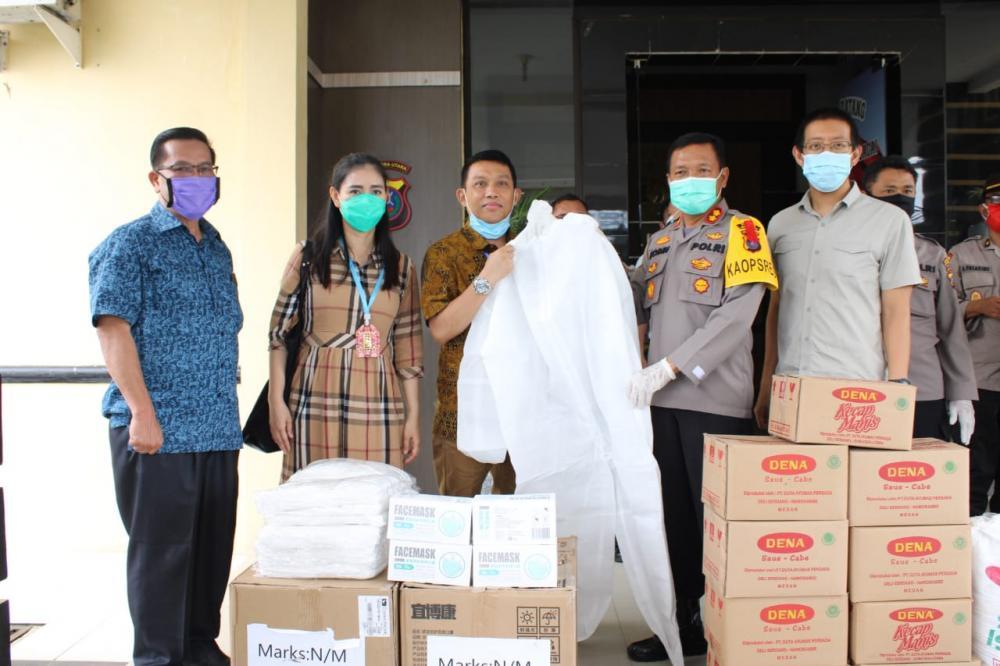 Mitra Kerja Polres Sergai Polres Serahkan Bantuan APD Dan Sembako