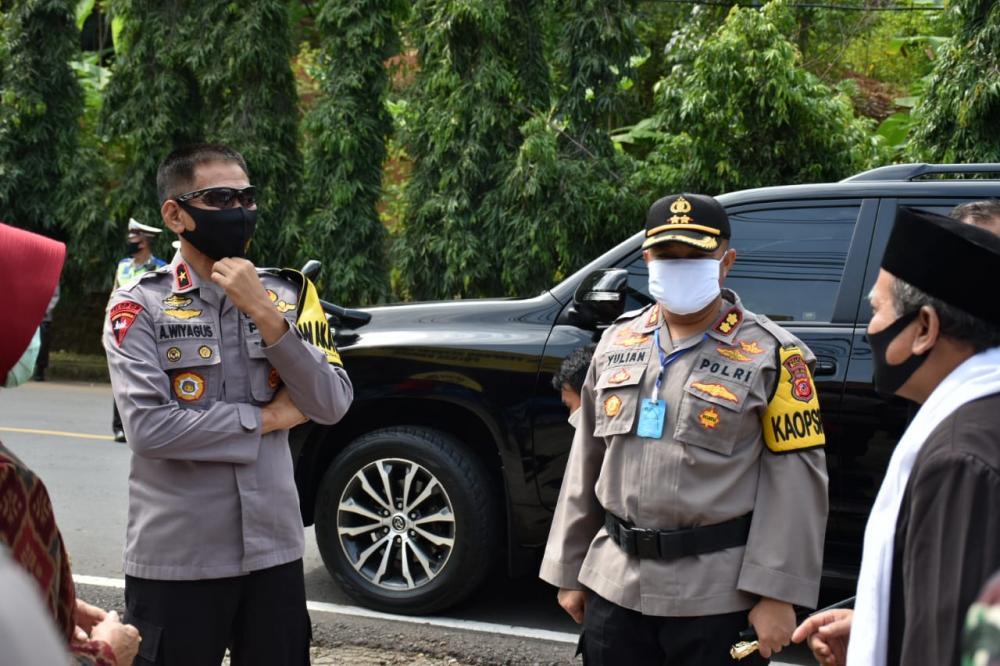 Wakapolda  Jabar Tinjau kesiapan Operasi Ketupat Lodaya 2020 di Pos Pam Terpadu Maonah, Cipadung, Purwaharja, Kota Banjar