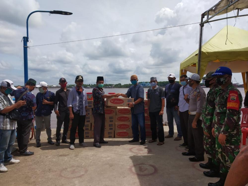 *Melalui Yayasan Dwipa Abadi,PT Pulau Sambu Group Membagikan 14.000 Roti Kaleng*