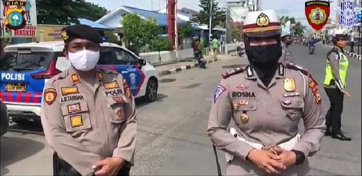*Sat Lantas Polres Inhil Imbau Pengendara Roda Dua Wajib Gunakan Helm dan Masker*