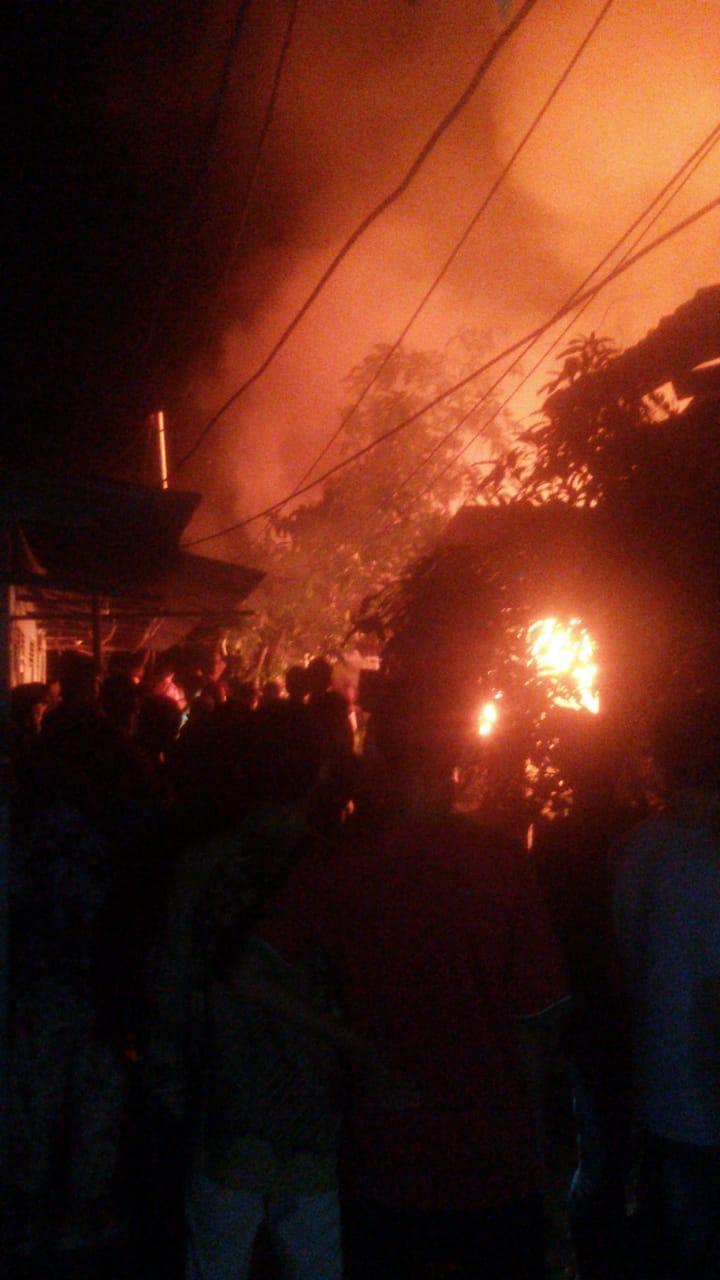 Kebakaran Hanguskan 1 Rumah dan 2 Ruang Kelas