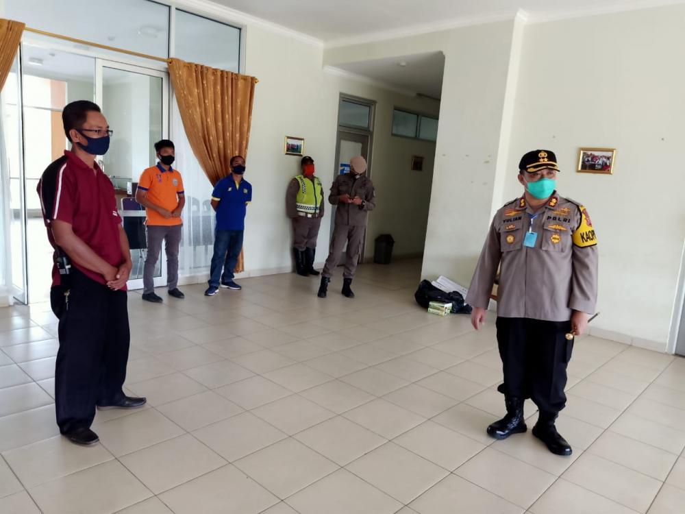 Penerapan PSBB di Kota Banjar Kapolres Perintahkan Masyarakat Putar Balik Yang Ingin Masuk Kota Banjar Dari Zona Merah