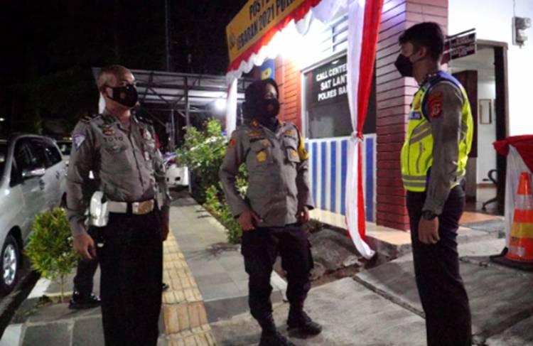 Kapolres Banjar Cek Kesiapan Personel Pos Pam Operasi Lodaya 2021 pada Malam Hari