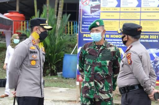 Polres Inhil Periksa Secara Cermat Dokumen Kesehatan Pelaku Perjalanan Masyarakat