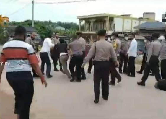 Berkat Kesigapan Aparat Kepolisian, Bentrokan 2 Kelompok Buruh di Tapung Hulu Berhasil Diredam
