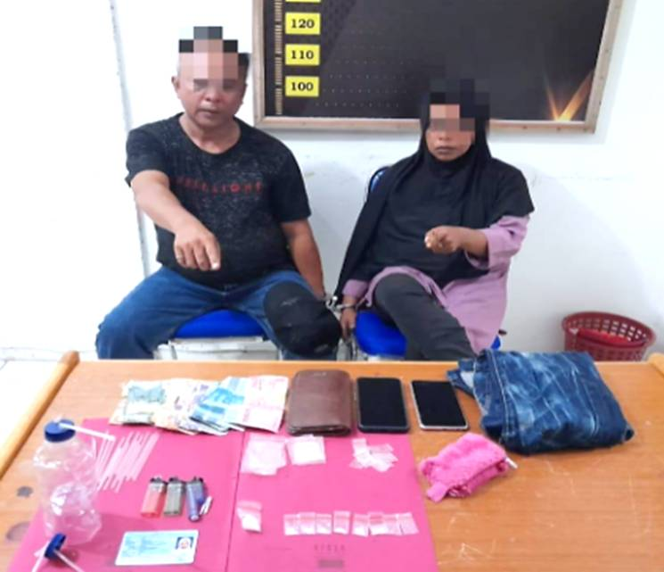 Terbukti Jual Sabu, Suami Istri Paruh Baya Diciduk Unit Reskrim Polsek XIII Koto Kampar