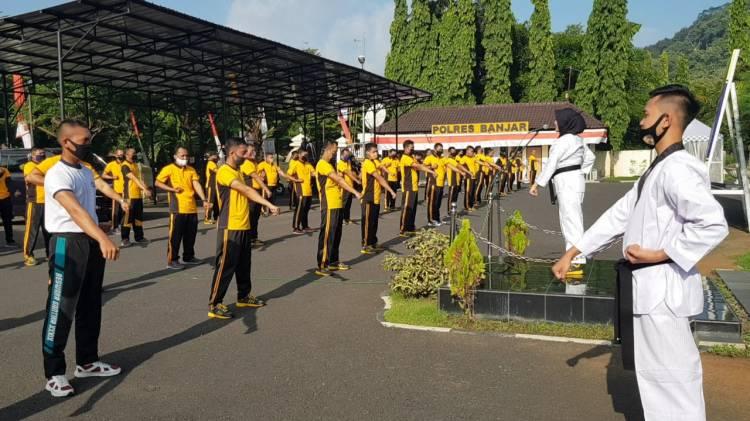 Polres Banjar laksanakan latihan bersama beladiri Taekwondo