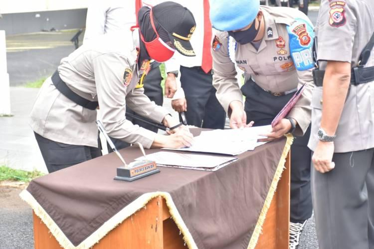 Pengukuhan PS. Kapolsek Banjar Dan Serah Terima Jabatan Kasat Intelkam Polres Banjar.