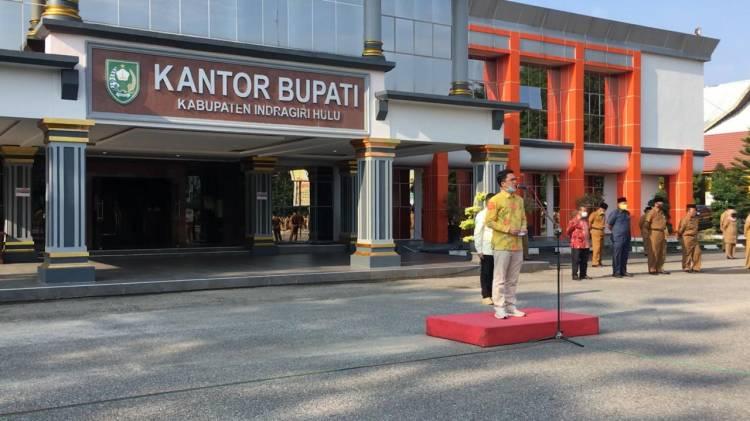 Senator Asal Riau Edwin pratama Menjadi Inspektur Upacara memperingati hari Lingkungan Hidup
