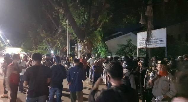 Insiden Pengambilan Paksa Jenazah Pasien Dalam Pengawasan(PDP) Covid 19 Terjadi Di Makassar