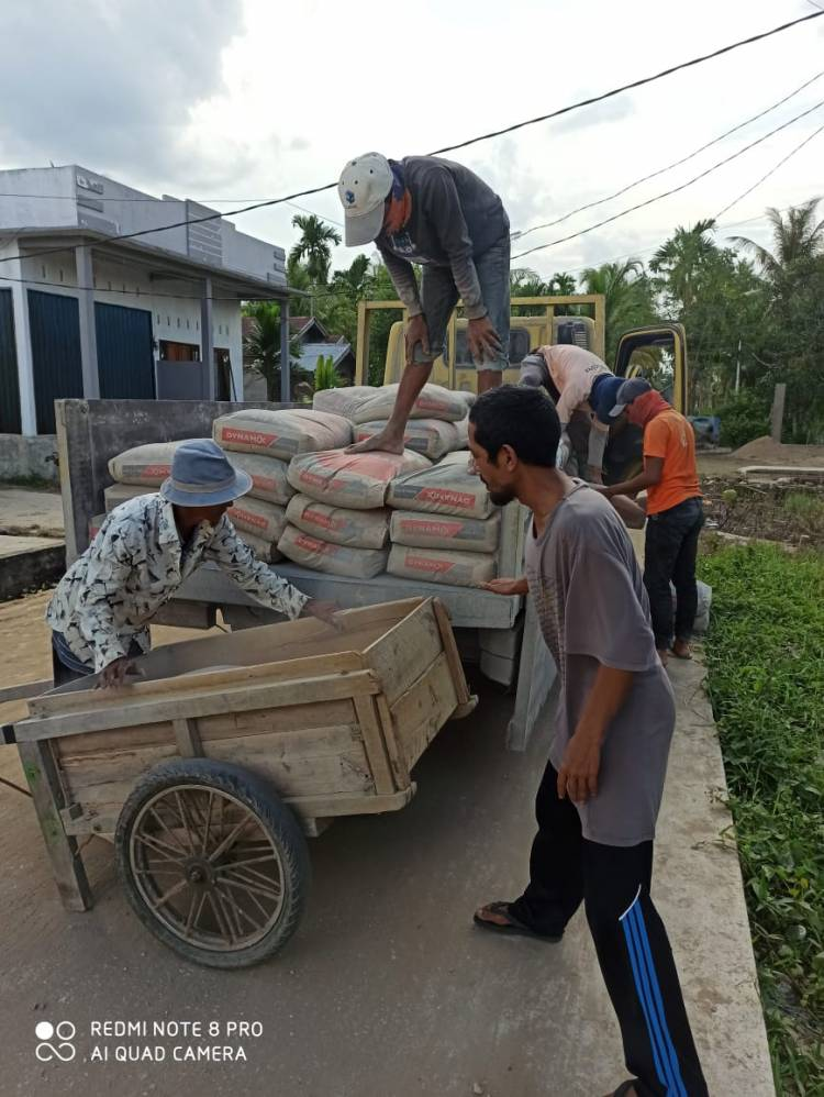 Kapolres Inhil,Beri Bantuan Material Pondok Syekh Abdurrahman Siddiq II