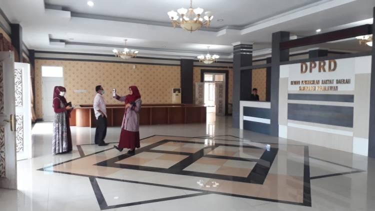 Kemana Hilangnya Kursi di Lobby  DPRD Kabupaten Pelalawan