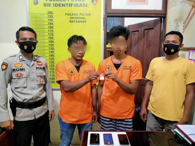 Lagi Nongkrong di Warung, 2 Pengedar Sabu di Rohil Diringkus Polisi
