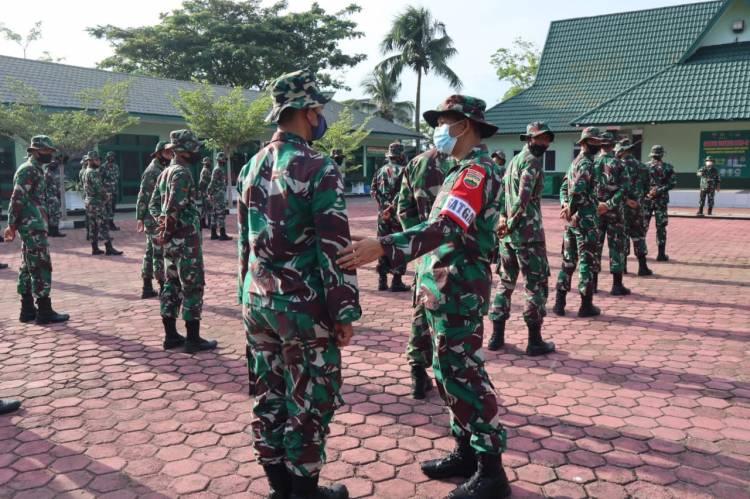 Personil TNI Kodim 0314/Inhil Apel Pengecekan Sebelum Upaca Pembukaan TMMD Ke 111