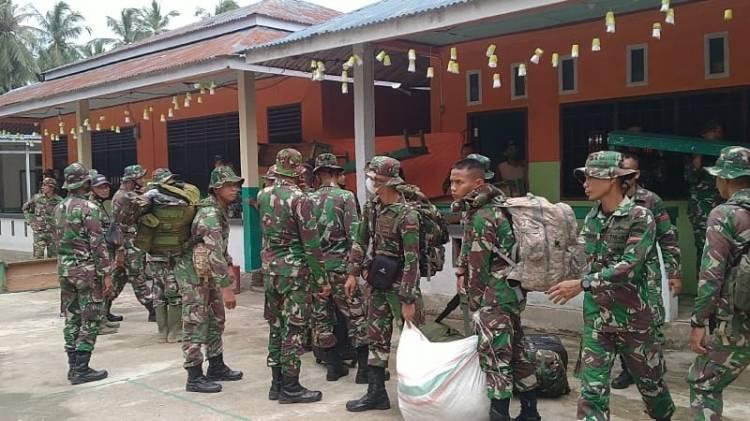 Pasukan Baju Loreng Sampai  Tempat Tujuan TMMD 111 Disambuat Kepala Desa