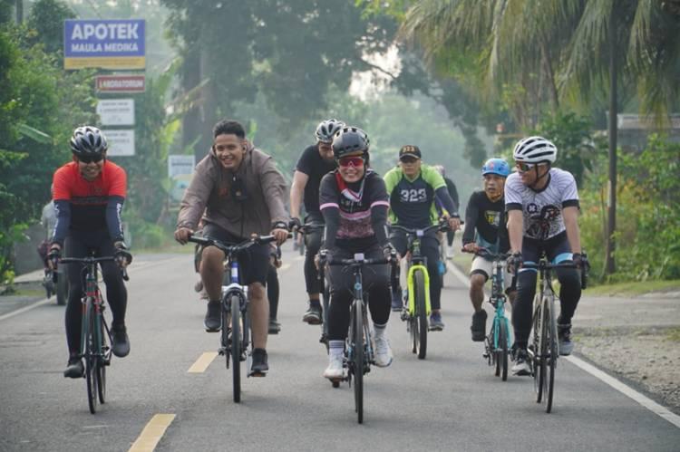 Kapolres Banjar, Wakil Walikota serta Forkopimda Kembali Bersepeda Bareng di Pantai Pangandaran