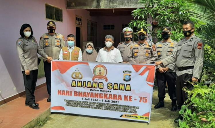 Kapolres Kampar Anjangsana Ke Rumah Purnawirawan Polri Jelang Hari Bhayangkara ke-75