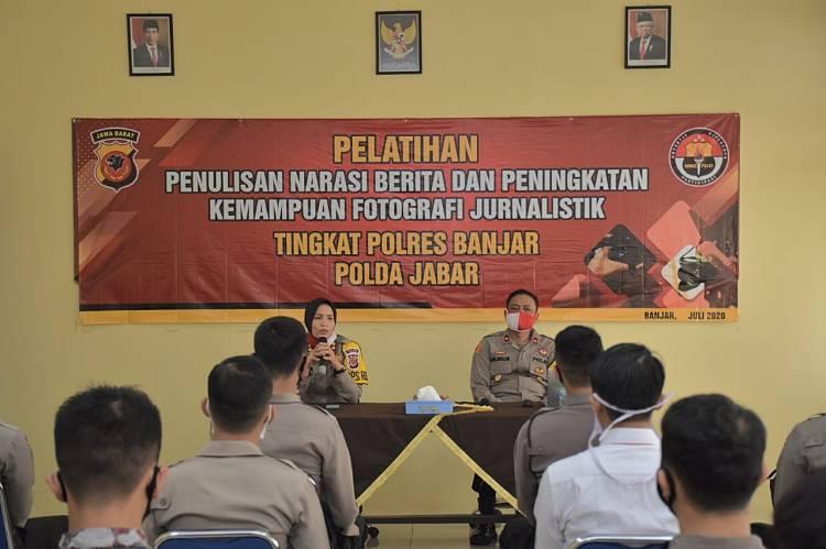 Kapolres Banjar Buka Acara Pelatihan Pembuatan Narasi Dan Jurnalistik Fotografi