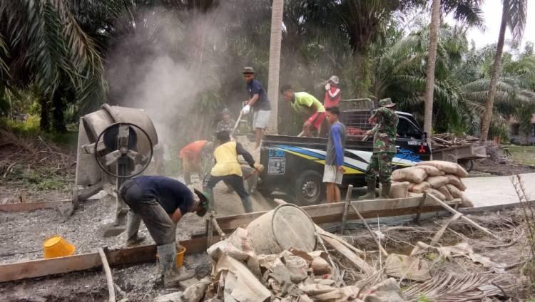 Jalan Parit Medan Api api DibangunKegiatan TMMD  sangat membantu masyarakat ,