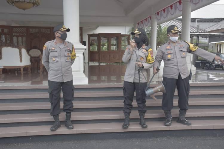 Sebanyak 127 Personil Polres Banjar Melaksanakan Pengamanan Aksi Penolakan RUU HIP
