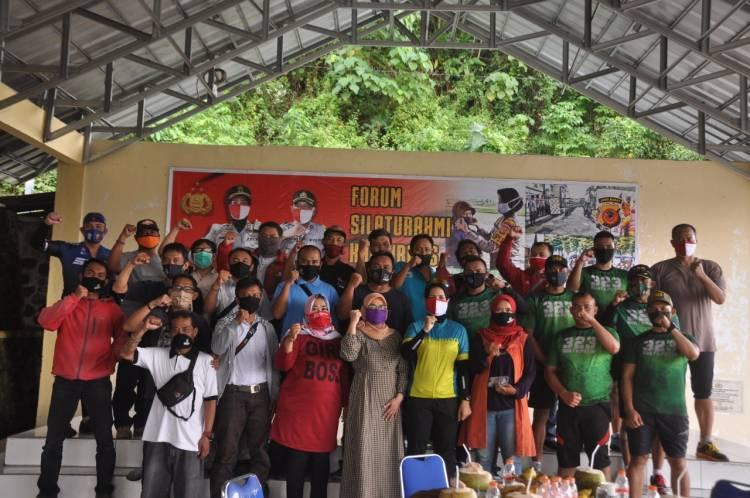 Silaturahmi Kapolres Banjar bersama Pokja Jurnalis Polres Banjar dalam Acara Ngaliwet Bareng