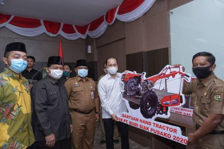 Tandatangani MoU, PT. BSP juga Serahkan CSR ke Pemkab Kampar.