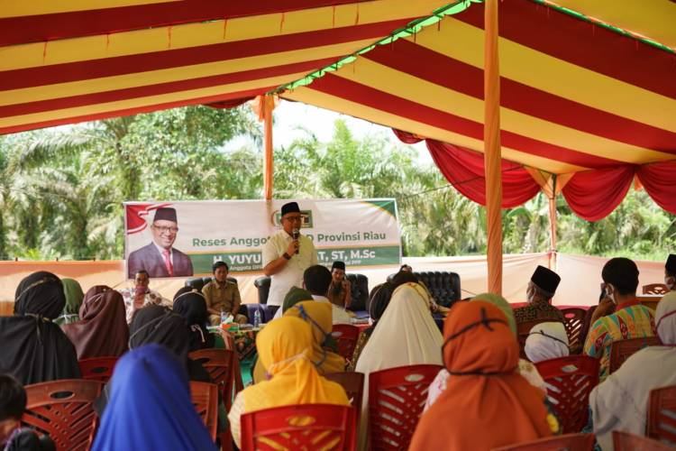 Anggota DPRD Propinsi Riau H. Yuyun Hidayat ST MSc Turun di Lima Desa Tapung