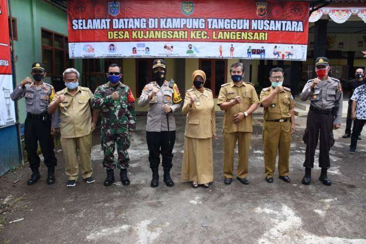 Kapolres Banjar Bersama Walikota Resmikan Lembur Tohaga Lodaya di Desa Kujangsari