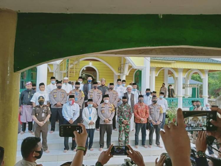 Bupati Kabupaten Pelalawan Hadiri Acara Pembukaan Khatmil Quran Di Kelurahan Pelalawan