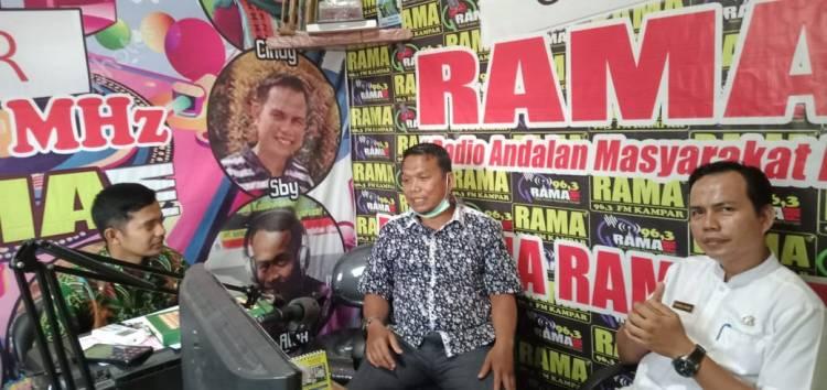 Ketua Komisi I DPRD Kampar, Paparkan Bahaya Narkoba Di Radio RAMA FM