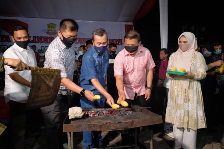 Bakar Jagung Bersama Forkopimda Dan Masyarakat, Kapolda Riau Sebut Gerakan Jaga Kampung Bukan Konsep Melainkan Realita