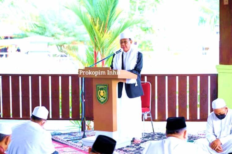 Bupati Inhil HM. Wardan Menjadi Khatib Shalat Iduladha 1442 H, Sampaikan Makna Kurban di Masa Pandemi