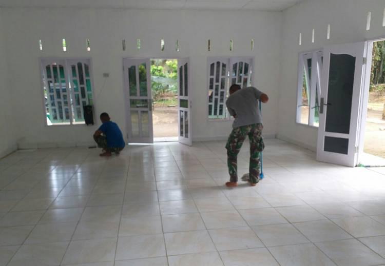 Pengerjaan Pembangunan Mushollah Nurul Ikhlas Rampung, Satgas TMMD Lakukan Pembersihan